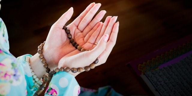 Doa Memakai Bedak